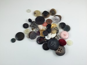 Organizing Buttons. Today's task is to let go of 29 buttons.