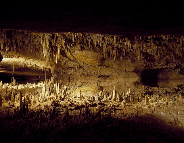 accumulating limestone in caves